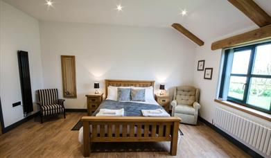 coach house cornwall double bedroom